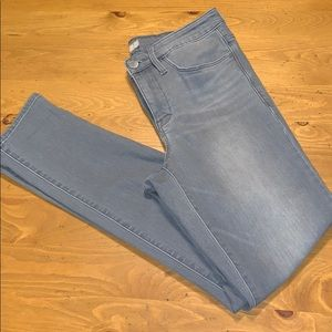 ATHLETA SIZE 8 skinny jeans